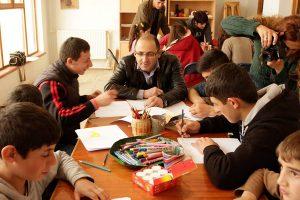 Atelier des la caravane des dix mots au club de Stepanakert
